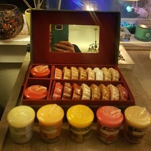 Lot of mixed Extremely Rare and New Yankee Candles